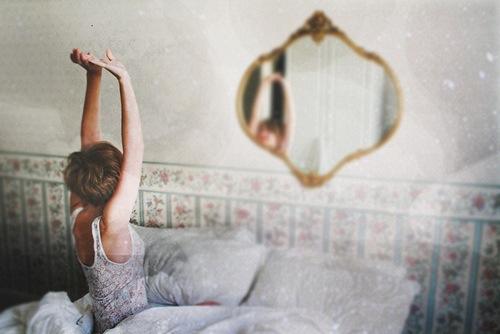 寝起きに背伸びで消費カロリーアップ