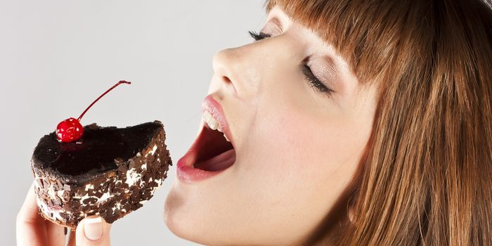 お腹に脂肪がついてしまうNG行動