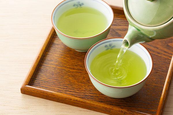 デトックス効果の高いお茶「緑茶」